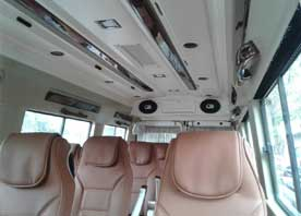 agra taj mahal tour package by 11+1 seater deluxe tempo traveller