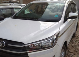 agra taj mahal tour by 8 seater innova crysta car