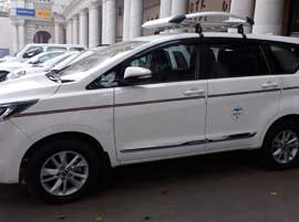 agra tour by innova crysta car