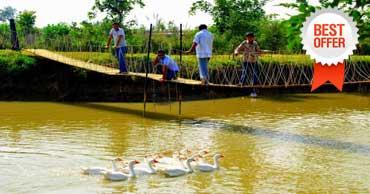 delhi to pratapgarh farm house tour by tempo traveller