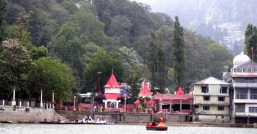 delhi to nainital tour by tempo traveller