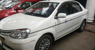 maruti swift dzire car rental in delhi